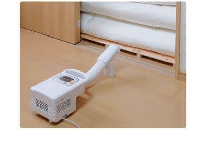 布団乾燥機カラリエで押入れの湿気をとる